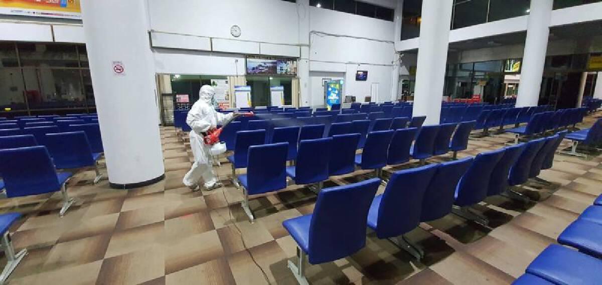 สนามบินสุราษฏร์ธานีทำการฆ่าเชื้อ