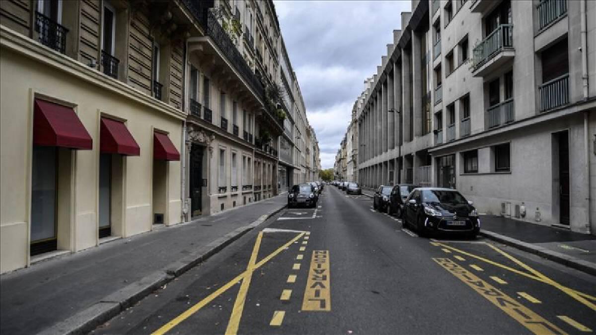 """กรุงปารีสประกาศ """"ล็อกดาวน์"""" รอบใหม่ หลังผู้ติดเชื้อโควิดรายวันพุ่งเกือบ 3.5 หมื่น"""