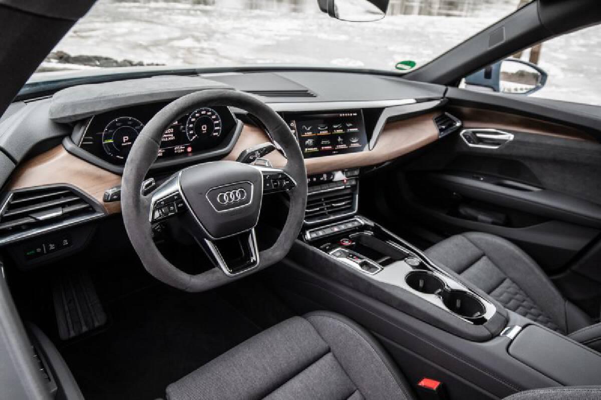 เปิดศึก EV พลังแรง Audi e-tron GT ท้าชน Porsche Taycan