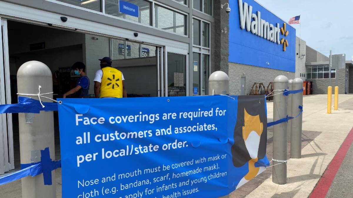 วอลมาร์ทรื้อฟื้นกฎการสวมหน้ากากอนามัยเมื่ออยู่ในห้างอีกครั้ง