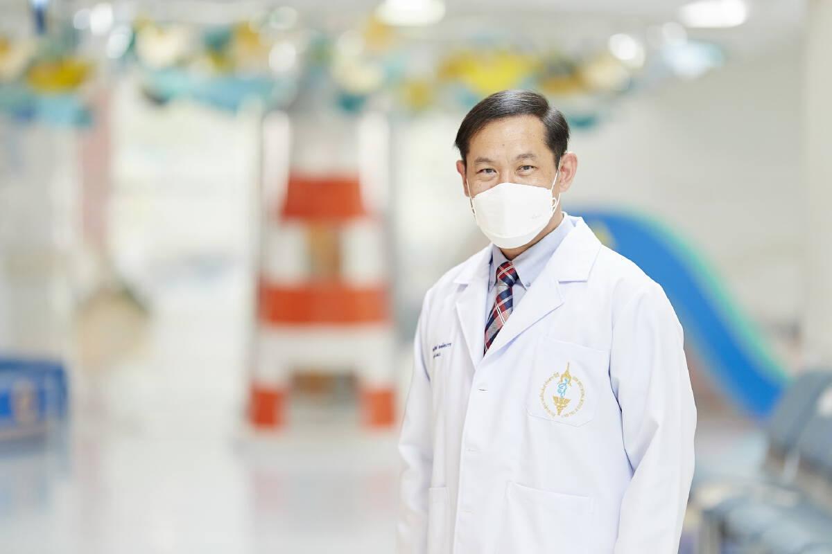 นพ. กันย์ พงษ์สามารถ แพทย์ผู้เชี่ยวชาญด้านกุมารเวชศาสตร์ โรคภูมิแพ้อิมมูโนวิทยา สถาบันสุขภาพเด็กแห่งชาติมหาราชินี