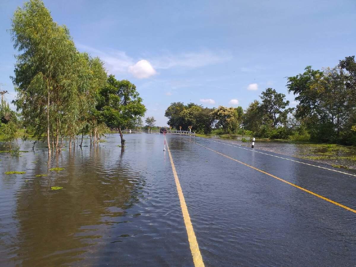 อัพเดทเส้นทางน้ำท่วม 10 ต.ค. 21 เส้นทาง 9 จังหวัดสัญจรไม่ได้