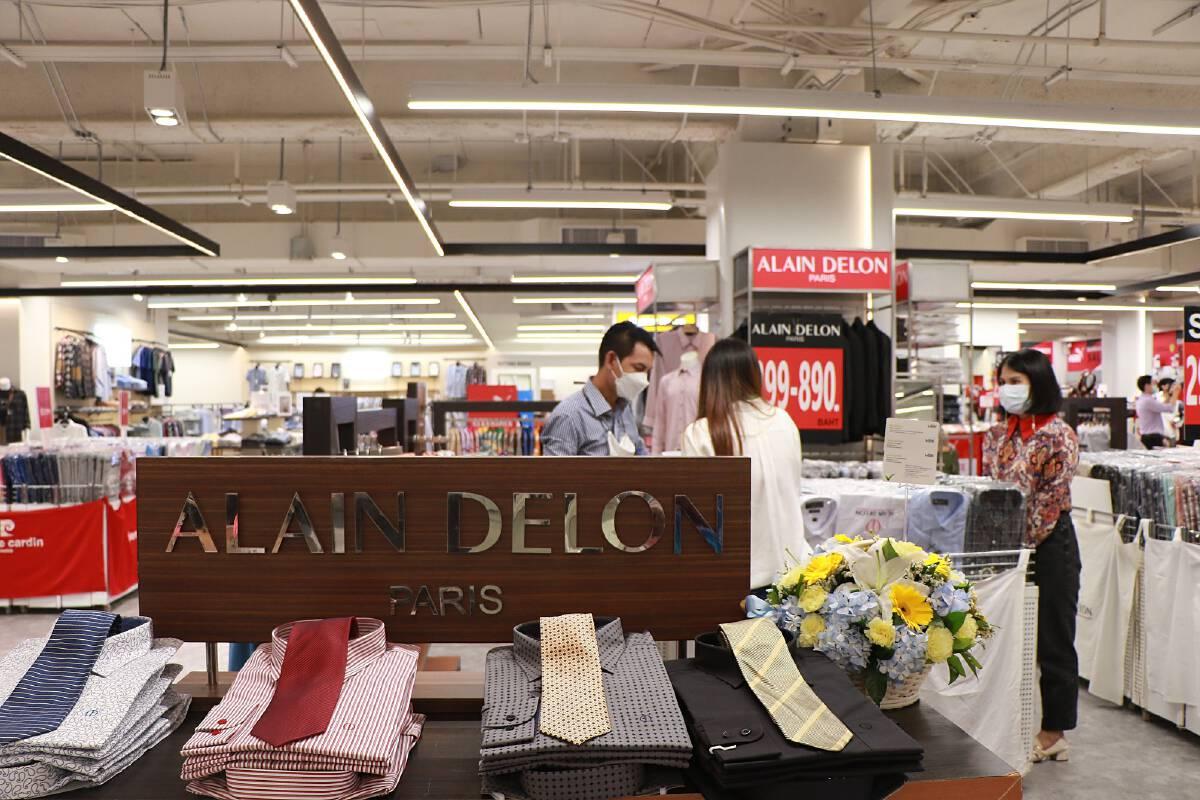 คลายล็อกดาวน์ เปิดร้านรัวๆ  MBK วันเดียวเปิด 12 ร้านรวด เอาใจนักช้อป